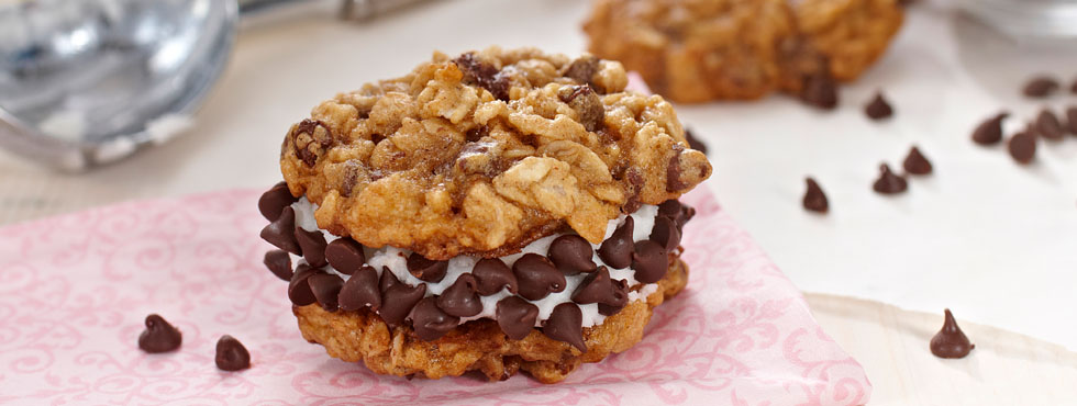 Chocolate Oatmeal Ice Cream Sandwich Cookies | Recipes