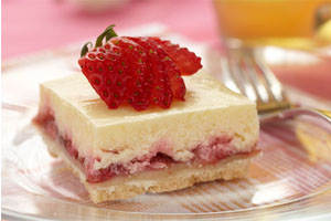 Strawberry Almond Cheesecake Squares
