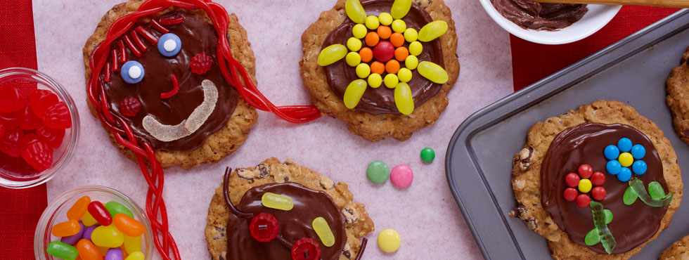 Chocolate Oatmeal Funny Face Cookies | Recipes