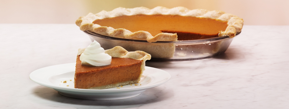 Classic Pumpkin Pie | Recipes | Robin Hood®