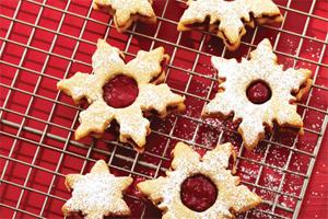 Classic Linzer Cookies