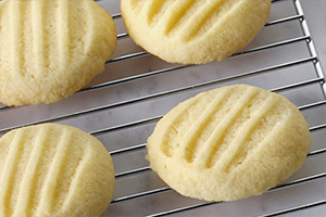 Melt-in-Your-Mouth Shortbread Cookies