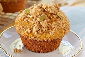 Gluten Free* Streusel Topped Pumpkin Muffins