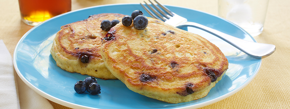 Gluten Free* Blueberry Buttermilk Pancakes | Recipes