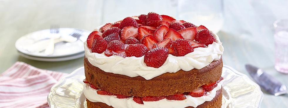 Gluten Free* Banana Split Layer Cake<br /> | Recipes