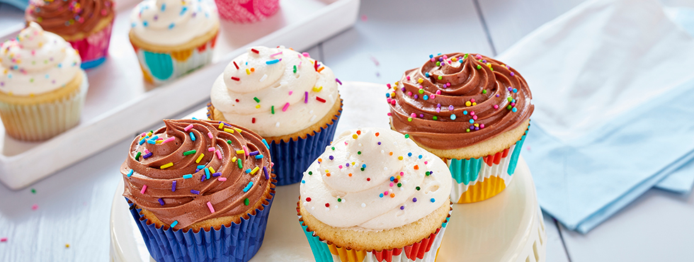 Vanilla Buttercream Dream Cupcakes | Recipes