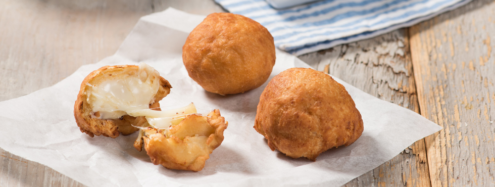 Chonuts (Cheese Filled Donuts) with Sweet and Spicy Dip | Recipes