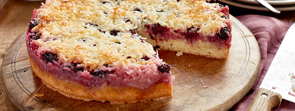 Blackberry Coconut Macaroon Cake | Recipes