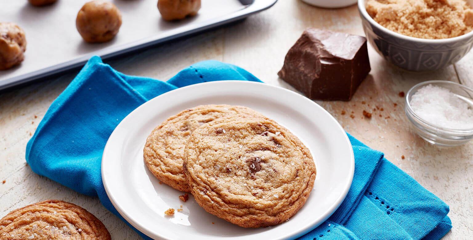 Biscuits aux morceaux de chocolat au beurre brun