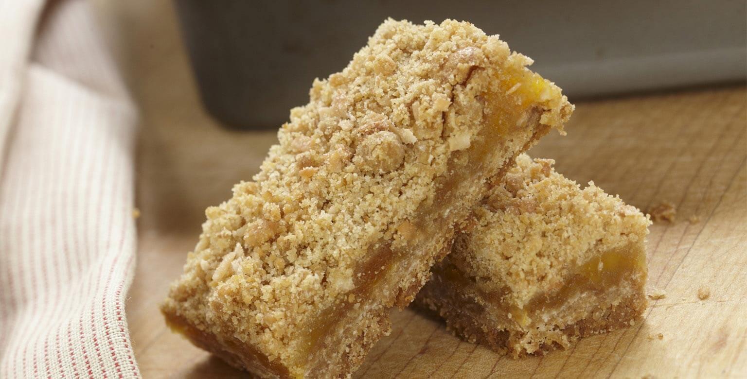 Voir la recette - Carrés à la noix de coco et aux abricots