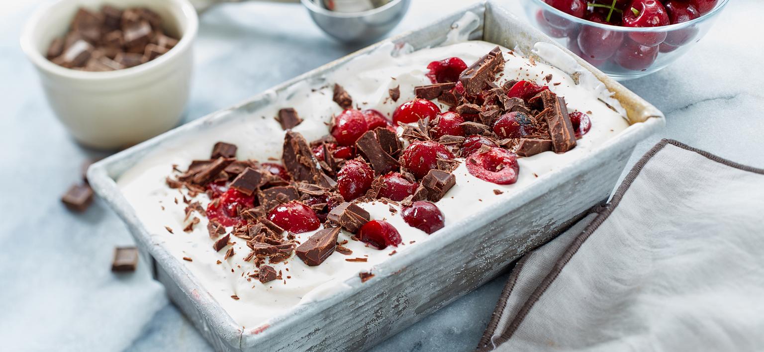 Voir la recette - Crème glacée au chocolat et aux cerises