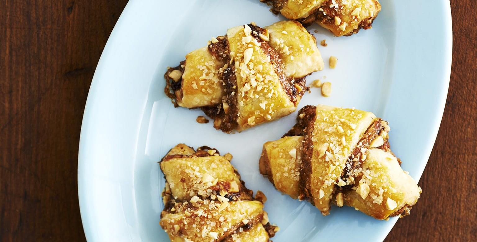 Voir la recette - Croissants au beurre d'arachide et confiture