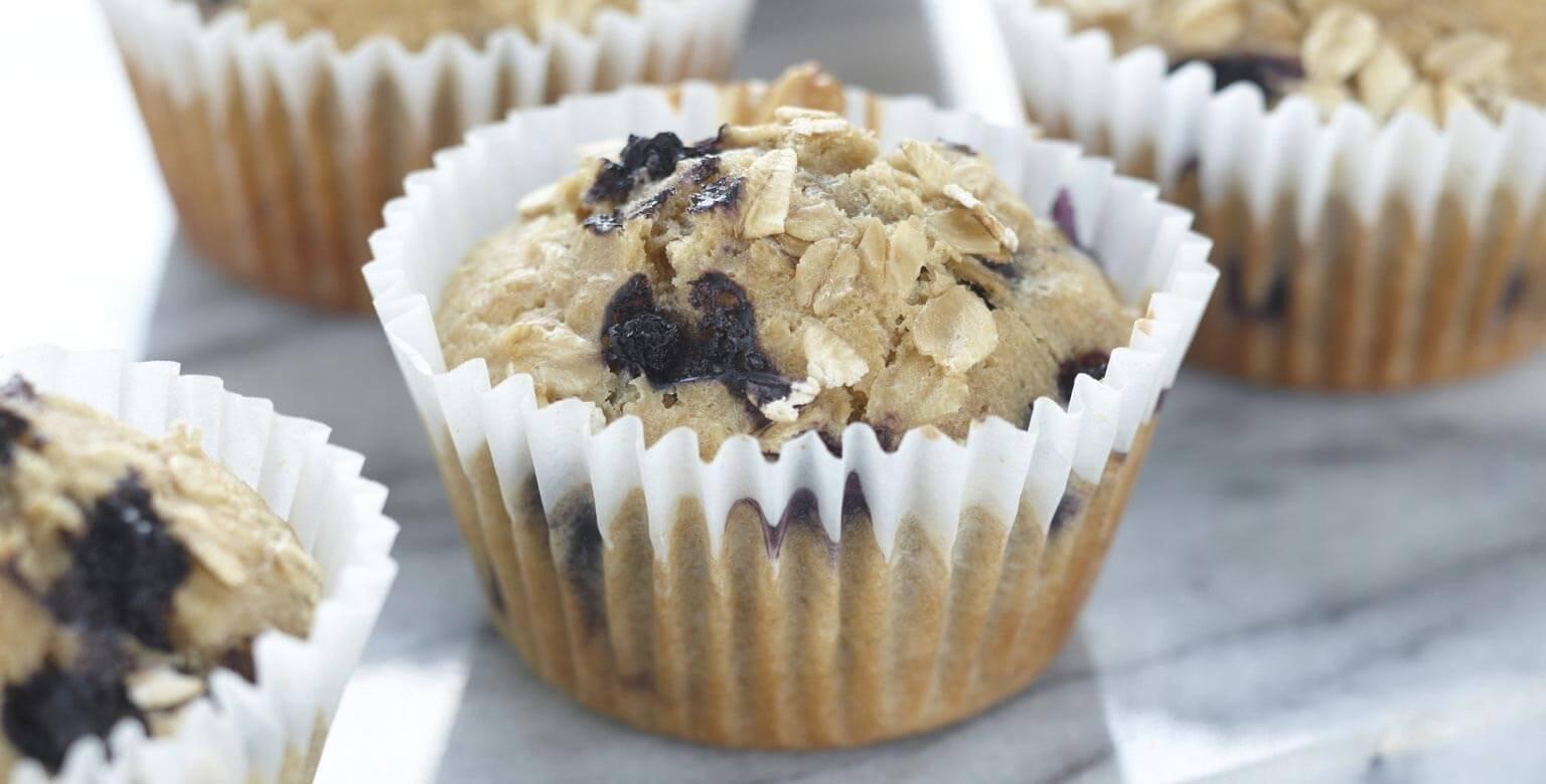 Voir la recette - Muffins au gruau et aux bleuets