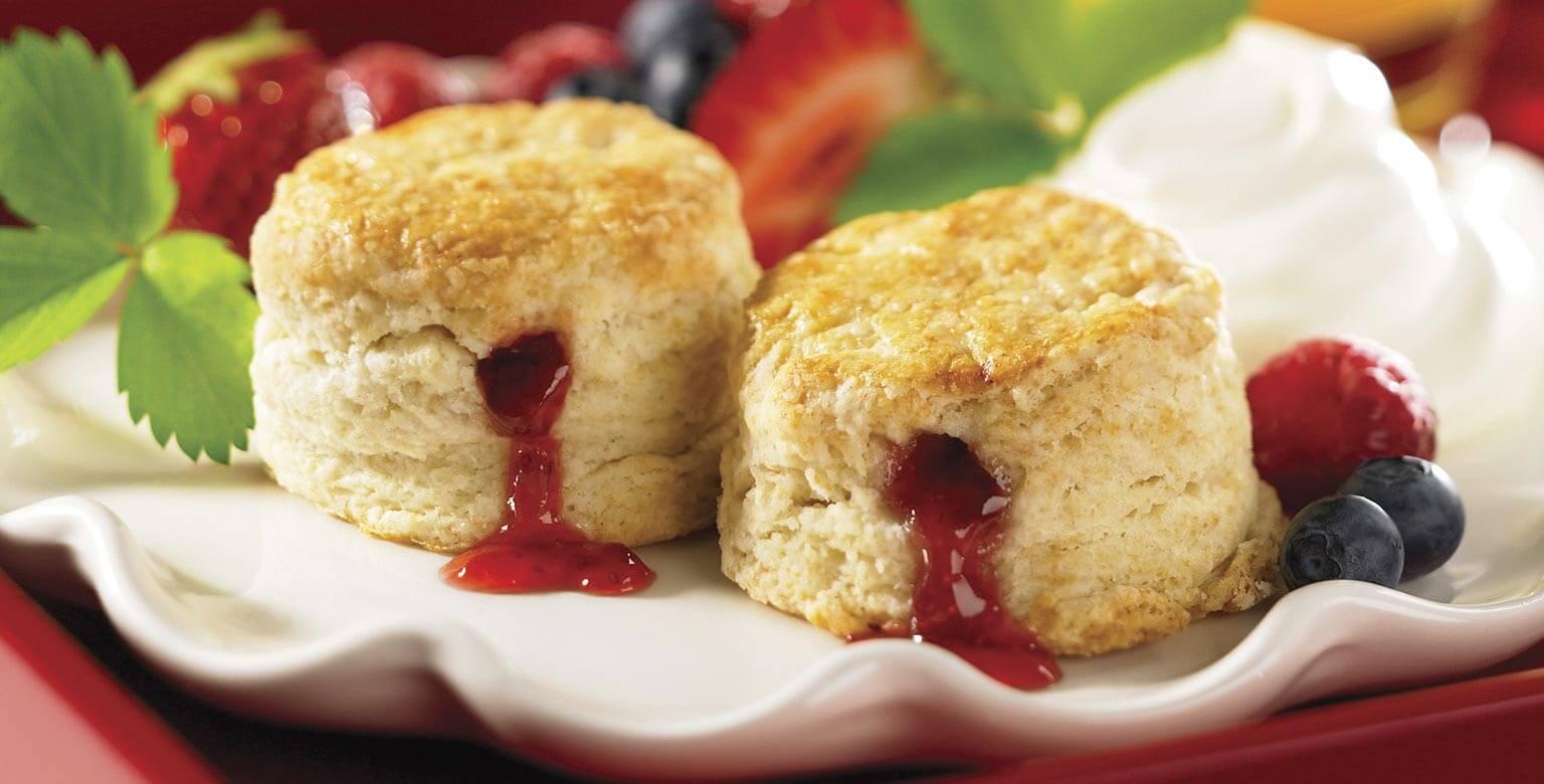 Voir la recette - Scones à la confiture de fraises