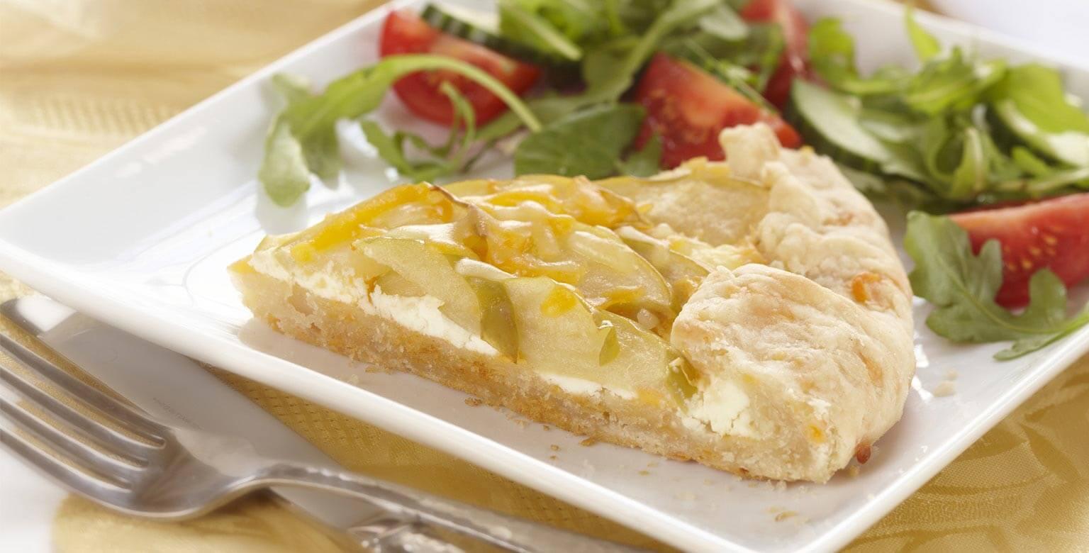 Voir la recette - Tourte aux pommes et aux deux fromages