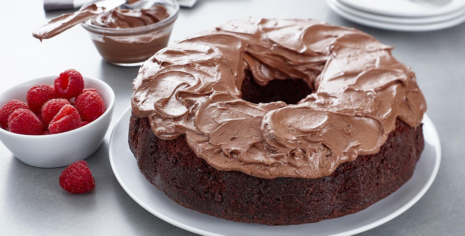 Voir la recette - Gâ teau au chocolat végétalien avec glaç age