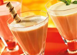 Cappuccino au chocolat blanc avec une touche de menthe