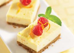 Carrés de gâteau au fromage à l'orange