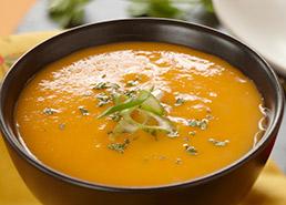 Soupe aux carottes thaïe