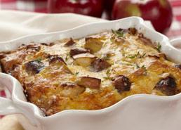Casserole de saucisses de déjeuner, pommes et fromage