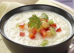Soupe au chou-fleur grillé avec ail
