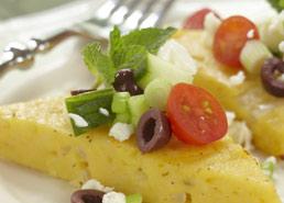 Polenta avec salade de légumes