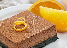 Barres de gâteau au fromage à l'orange et au chocolat
