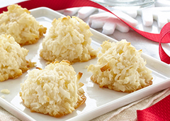 Snowy Coconut Macaroons