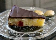Gâteau au chocolat noir et à la noix de coco