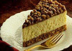 Gâteau au fromage avec garniture pralinée aux noix