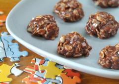 Bouchées au chocolat et aux arachides sans cuisson