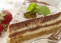 Gâteau au fromage marbré au chocolat et aux noisettes
