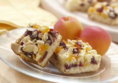 Barres magiques sablées aux canneberges, abricots et amandes