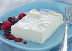 Gâteau au fromage au chocolat blanc congelé