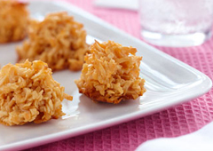 Coconut Macaroons with Dulce de Leche