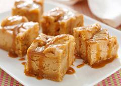 Bouchées de biscuits au gâteau au fromage aux grains de caramel écossais