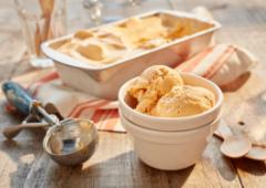 Crème glacée aux épices à la citrouille