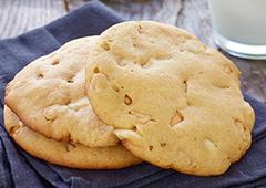 Dulce de Leche Macadamia Nut Cookies