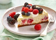 Gâteau au fromage aux fruits frais de l'été