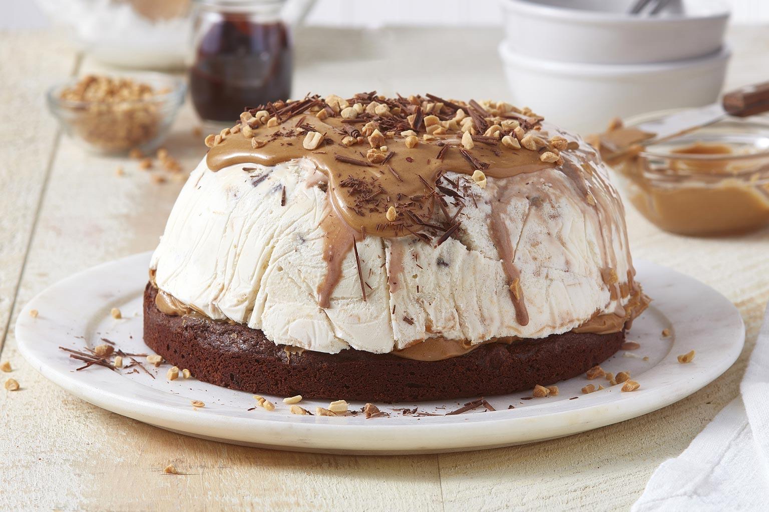 Voir la recette - Bombe glacée au beurre d'arachide et au chocolat