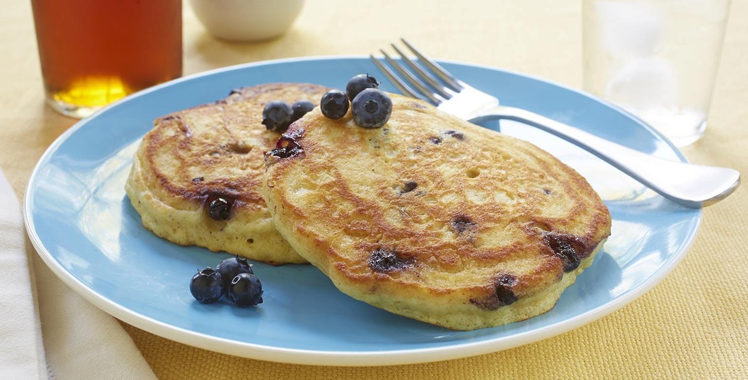 Voir la recette - Crêpes aux bleuets et babeurre sans gluten*