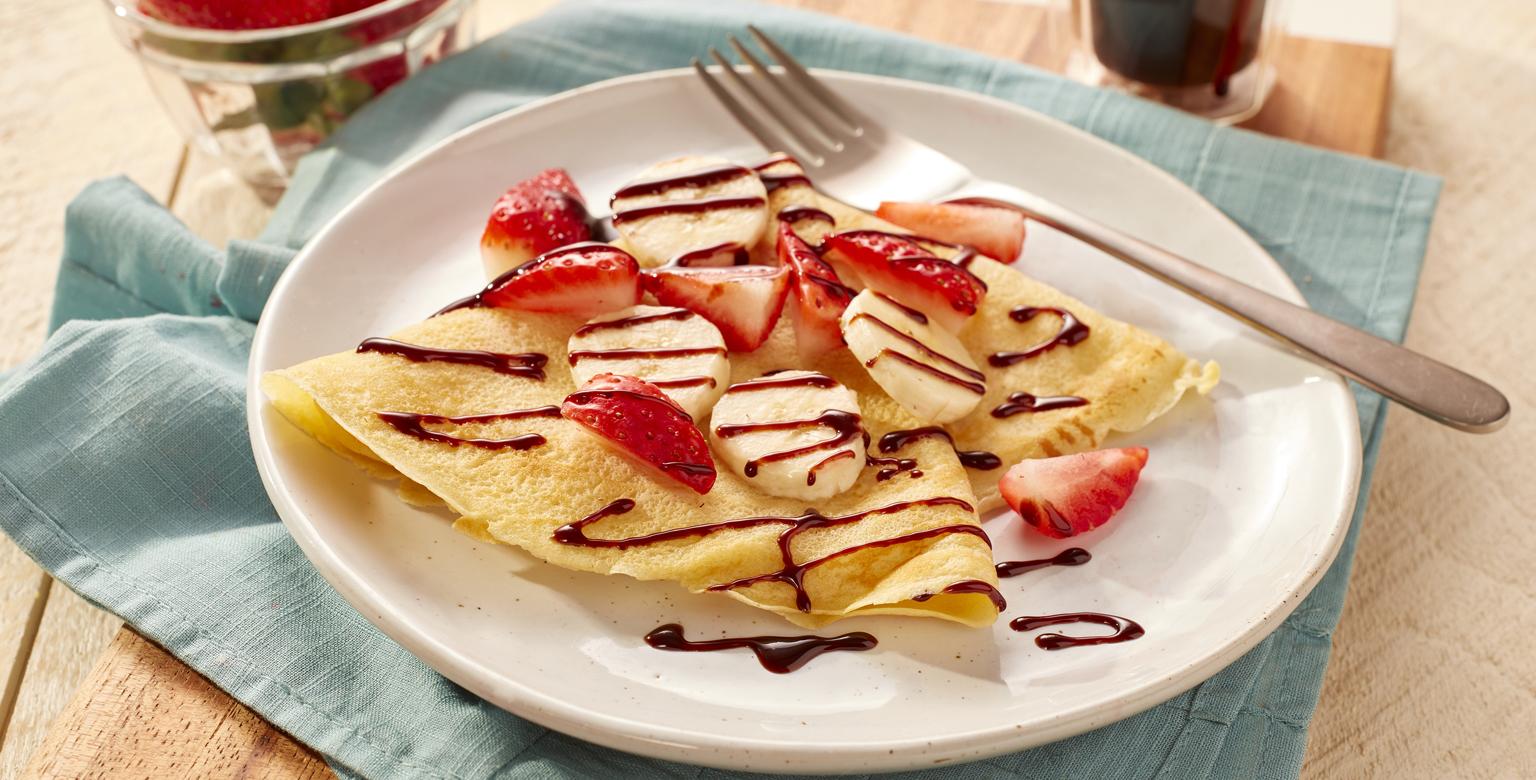 Voir la recette - Crêpes faciles aux fraises, aux bananes et au chocolat