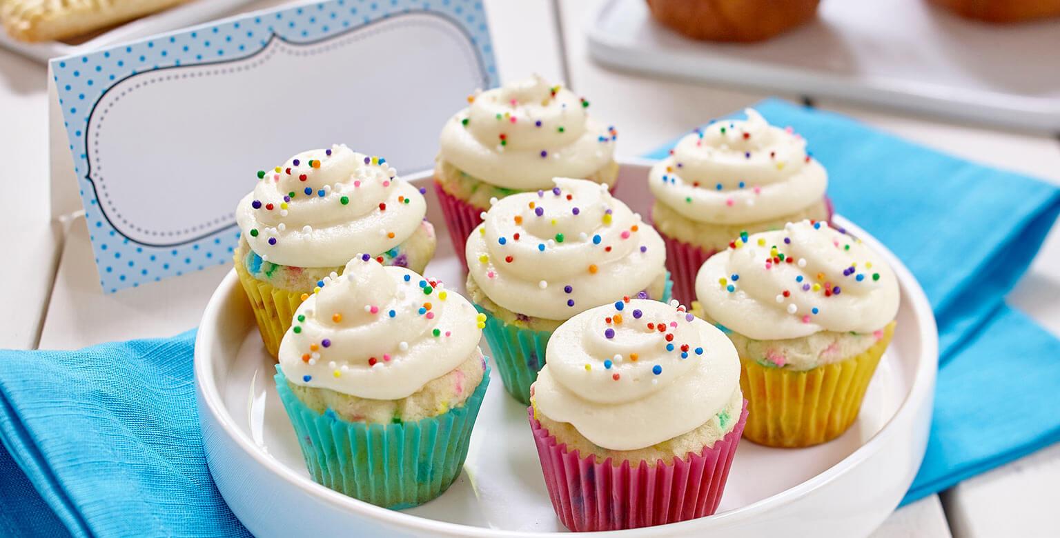 Voir la recette - Cupcakes à la vanille au glaçage de rêve