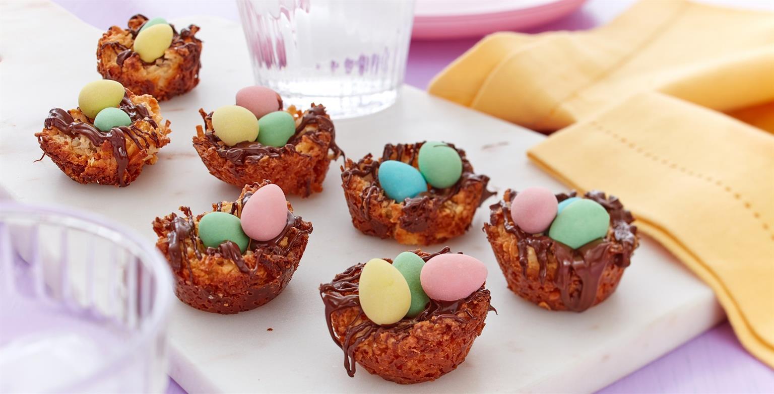 Voir la recette - Nids de macarons à la noix de coco