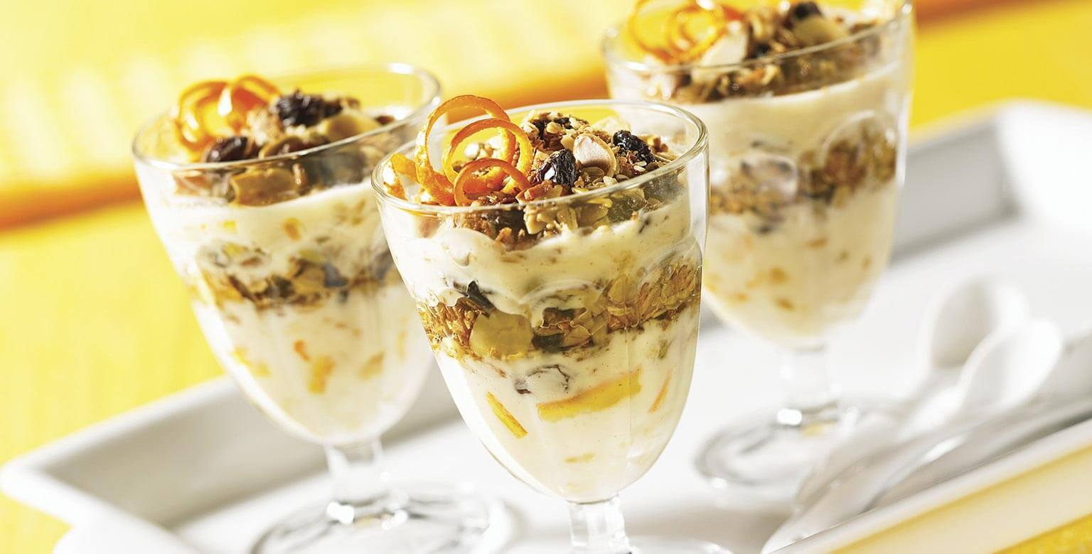 Voir la recette - Parfait au yogourt et granola