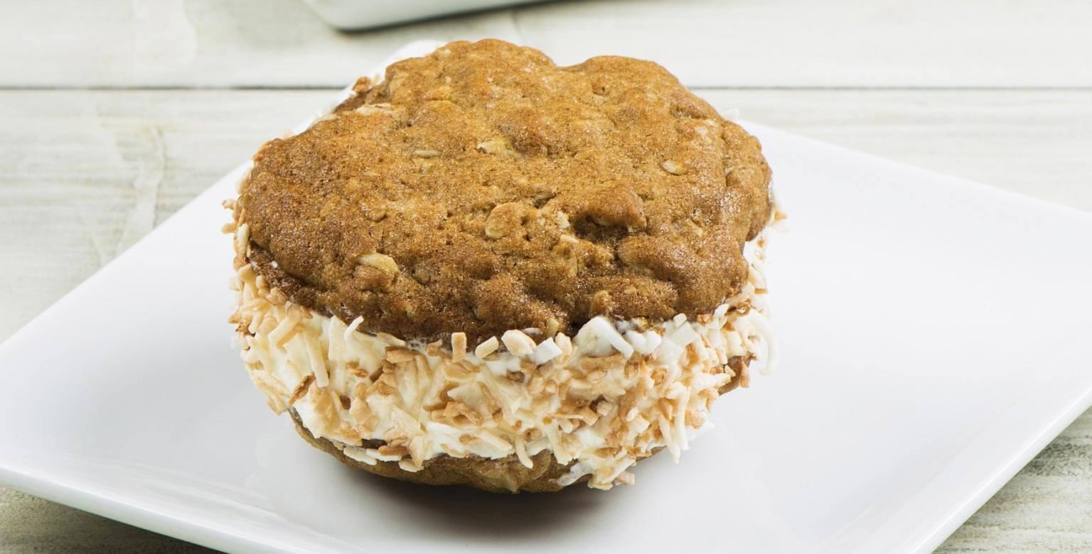 Voir la recette - Sandwiches à la crème glacée aux biscuits au gruau