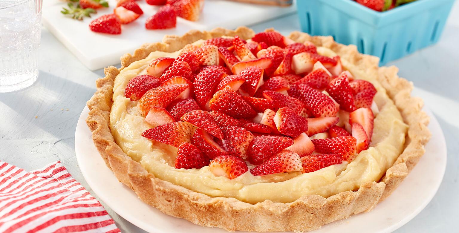 Voir la recette - Tarte à la crème aux fraises et chocolat blanc