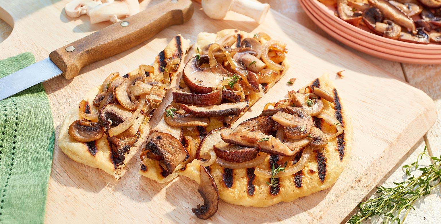 Voir la recette - Pains plats aux champignons grillés